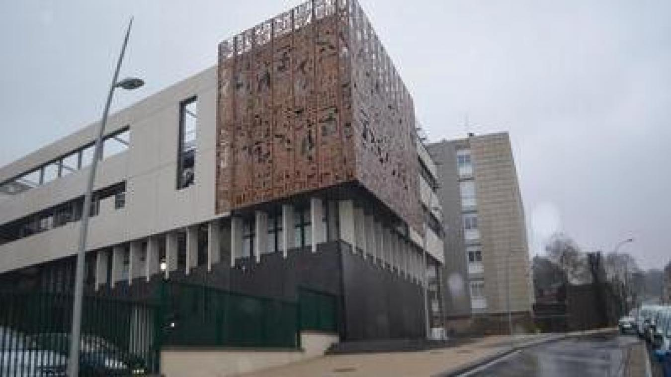 Deux classes du lycée Mariette se retrouvent fermées après la détection de cas du variant britannique.