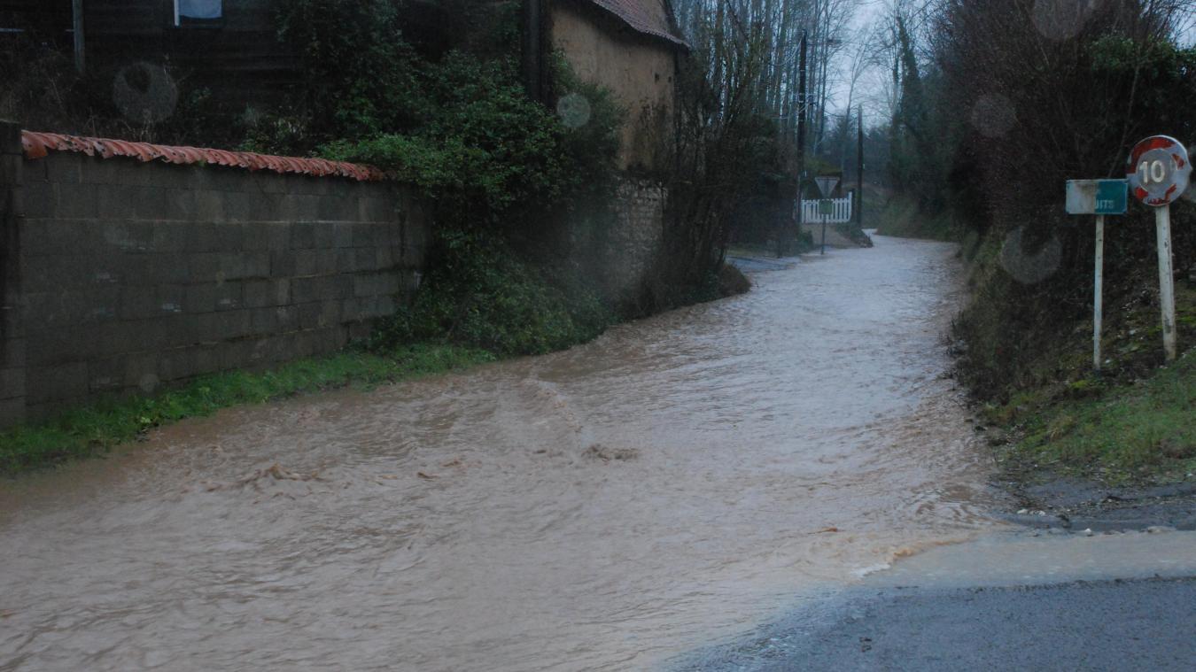 Le jeudi 14 janvier dernier, la rue du puits ressemblait plus à une rivière qu'à une route.