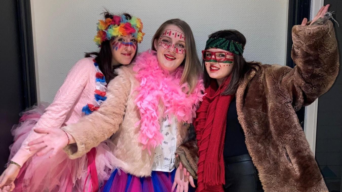 En cette période de crise sanitaire, Candice, Maëva et Clara souhaitent réinventer le carnaval.