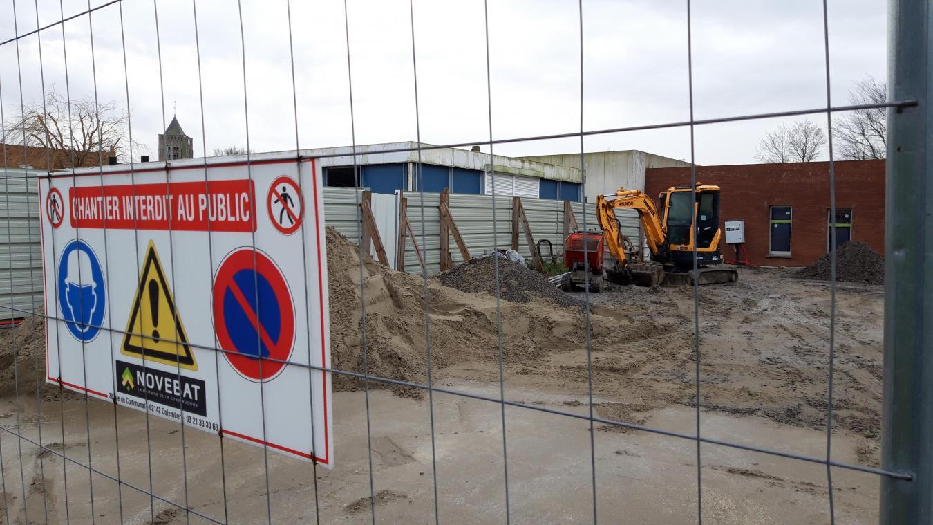 Le chantier de l'école a pris plus de 6 mois de retard.