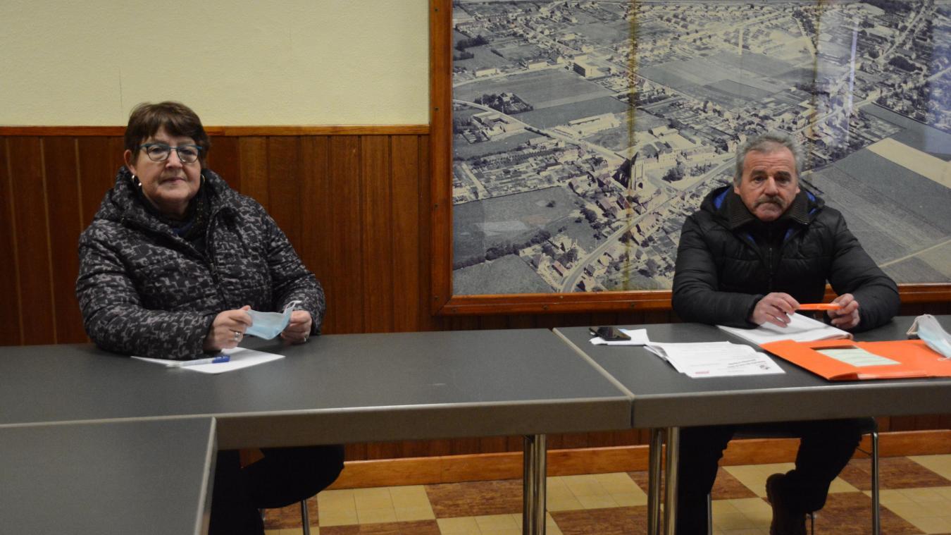 Jean-Marie Abeele et Jocelyne Lemaitre invitent les amateurs de pétanque à les rejoindre.