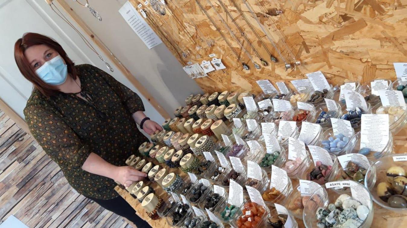 Katia a une grande collection de pierres naturelles avec de nombreuses vertus.
