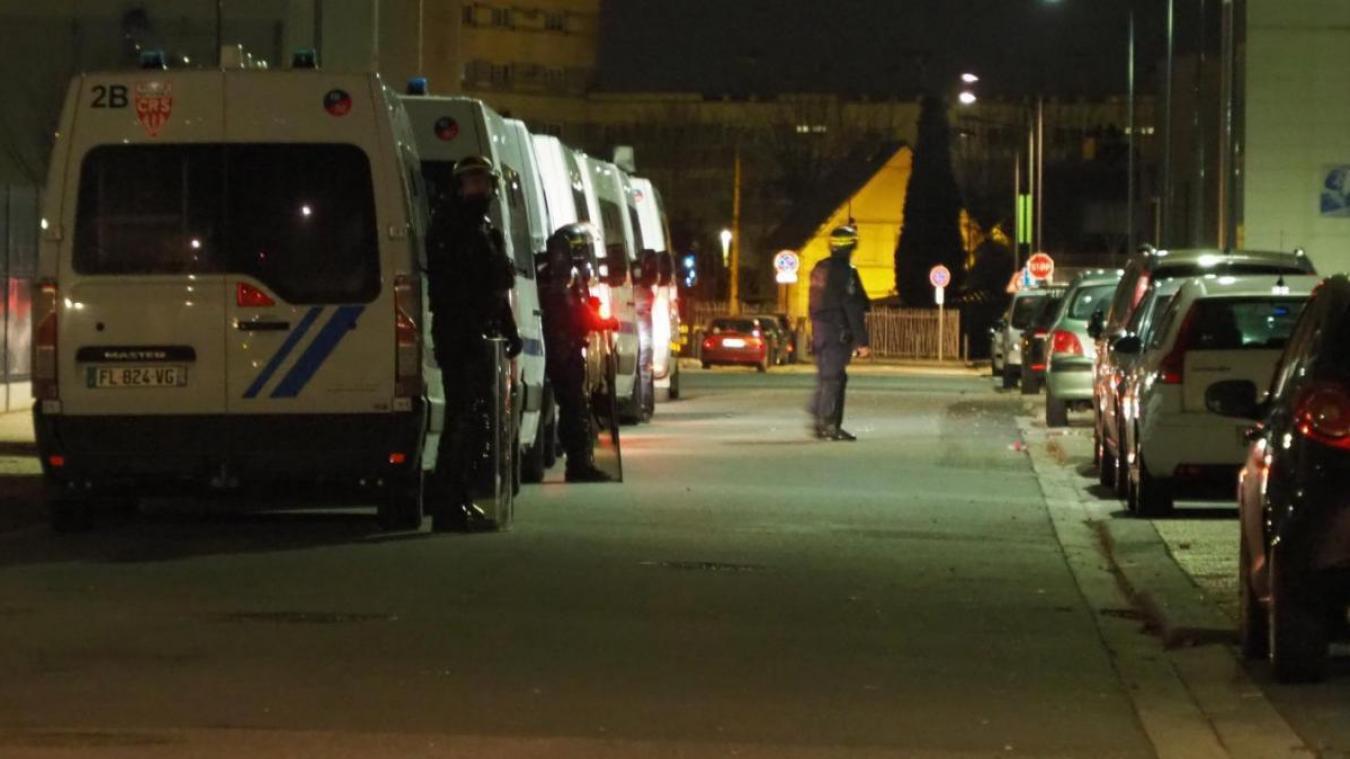 Les policiers avaient dû être épaulés par les CRS pour ramener le calme au Beau-Marais.