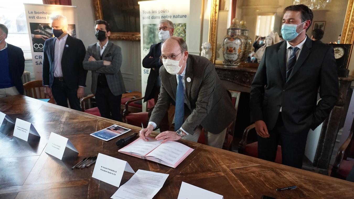 La signature s'est déroulée vendredi 12 février à l'hôtel de ville de Montreuil-sur-Mer.