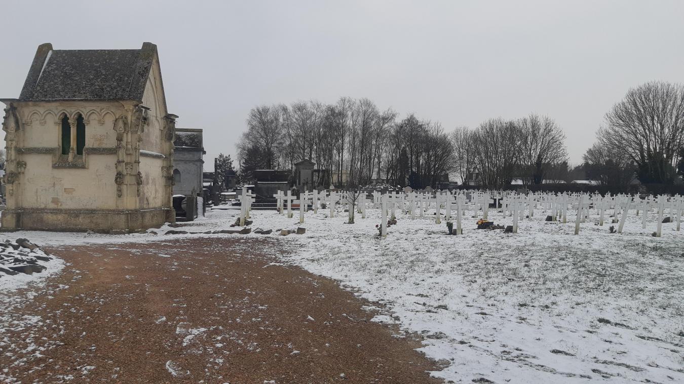 L'opposition a pointé du doigt l'état du cimetière communal de Bapaume.