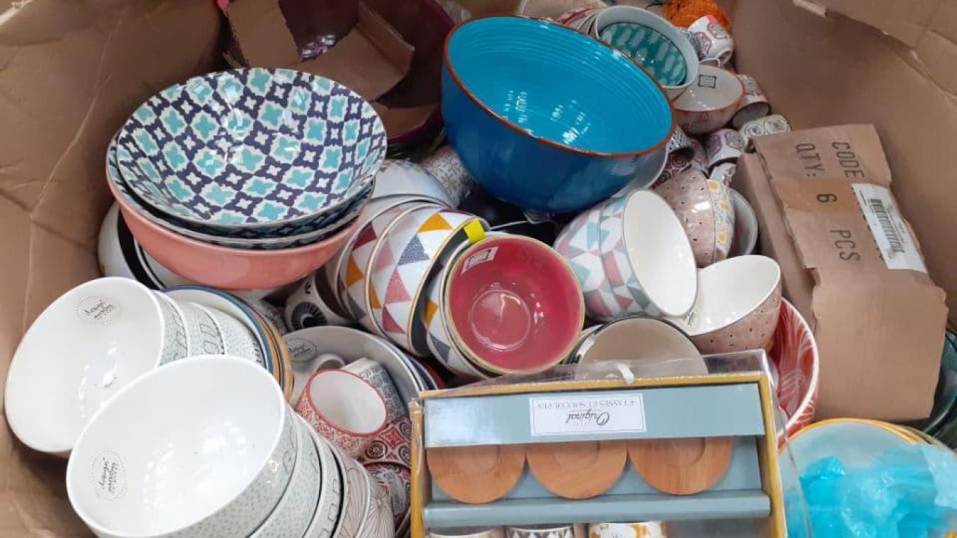 De la vaisselle au design et aux coloris modernes.