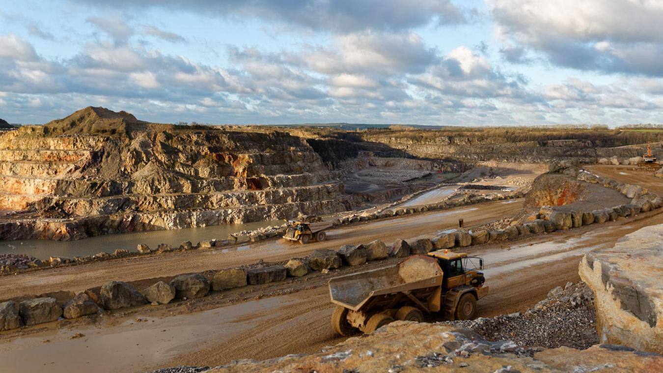 Le minerai a été prélevé directement dans les carrières en 2016 par un agent du CNES.
