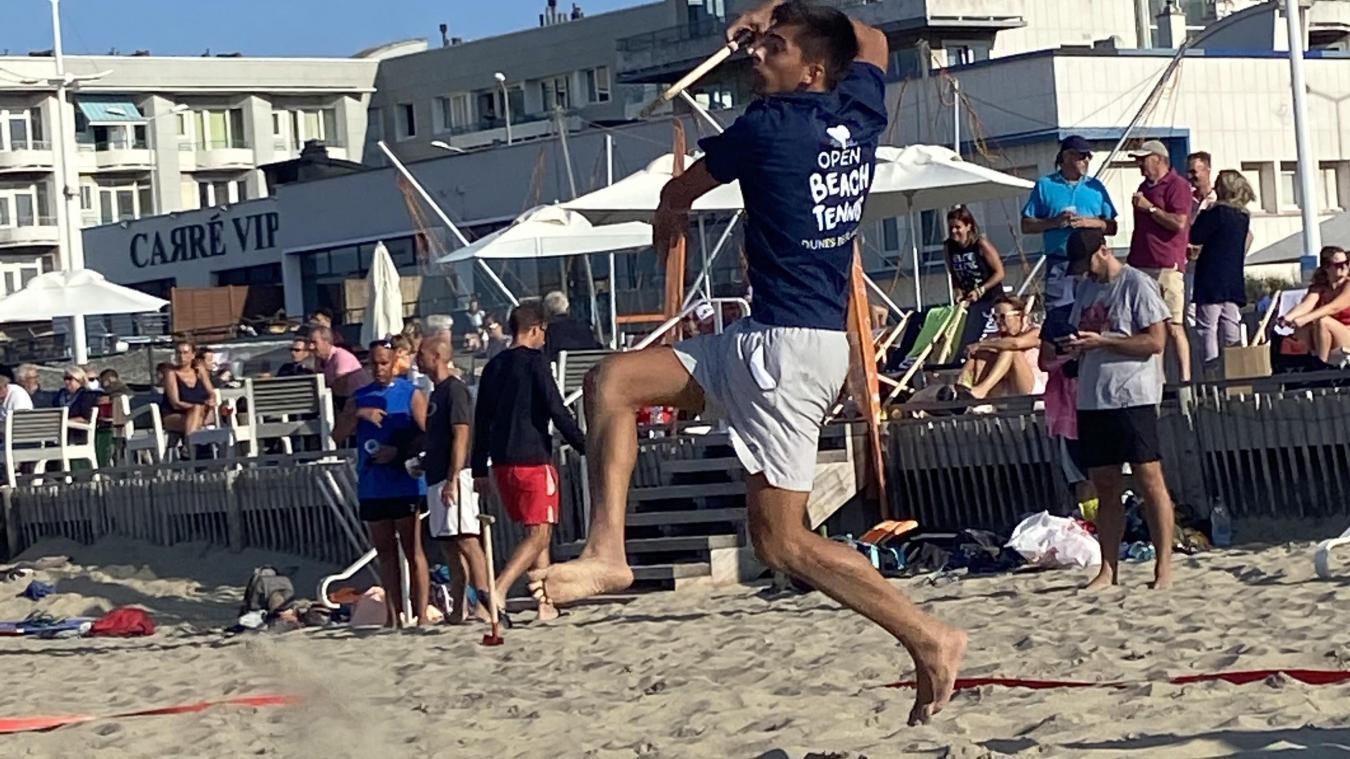 Matheo Lannoy souhaite développer davantage le beach tennis à Calais.