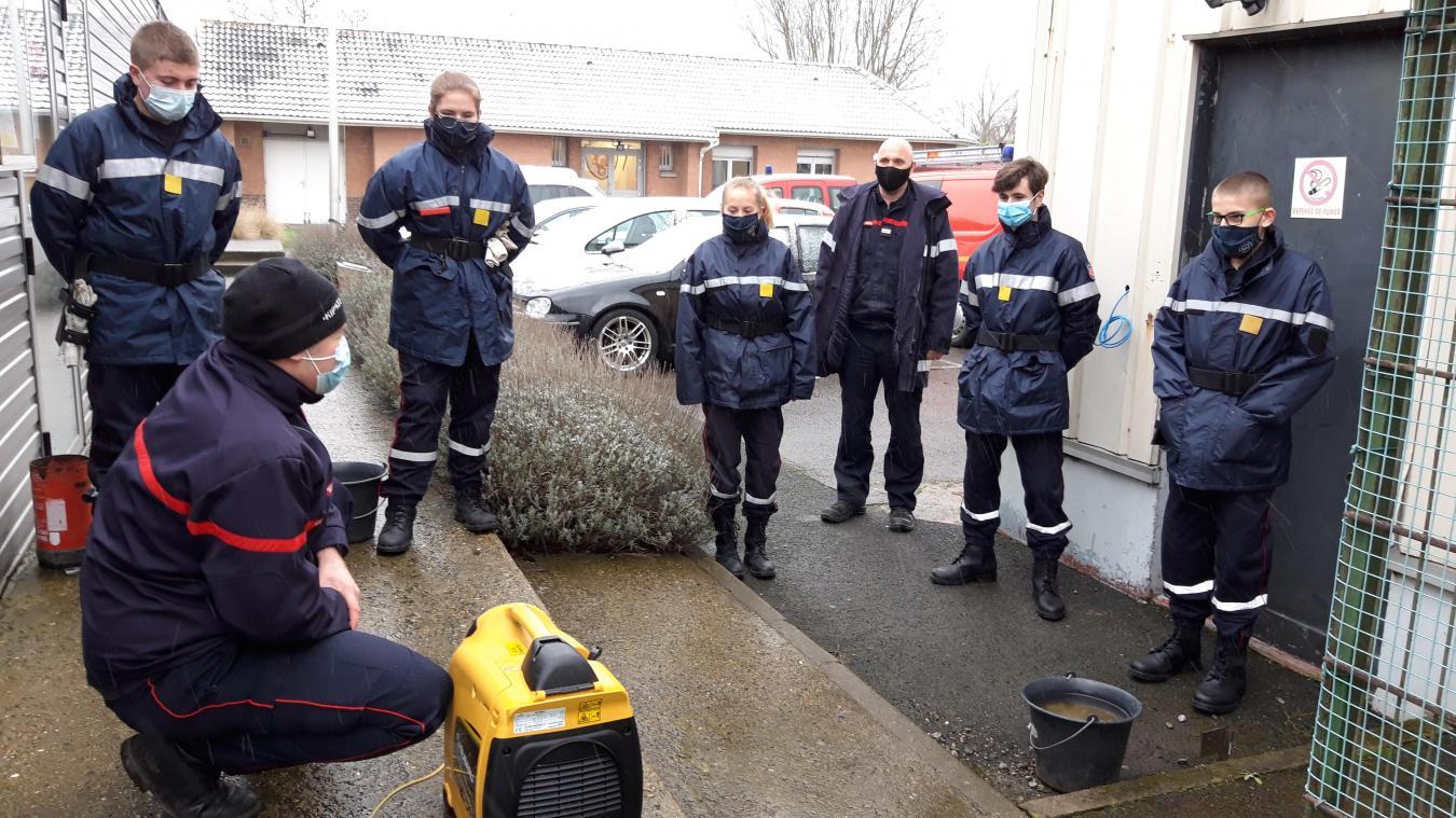 Tous les dimanches matins, qu'il vente ou qu'il neige, ils sont plusieurs à se déplacer de Nordausque, de Dunkerque ou encore de Calais pour suivre la formation de l'école des Jeunes sapeurs-pompiers de Bourbourg.