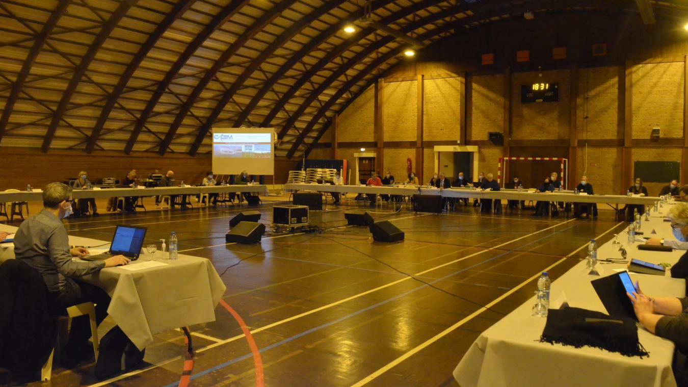Nouvelle configuration pour le conseil municipal qui a pris possession de la salle Fiolet.