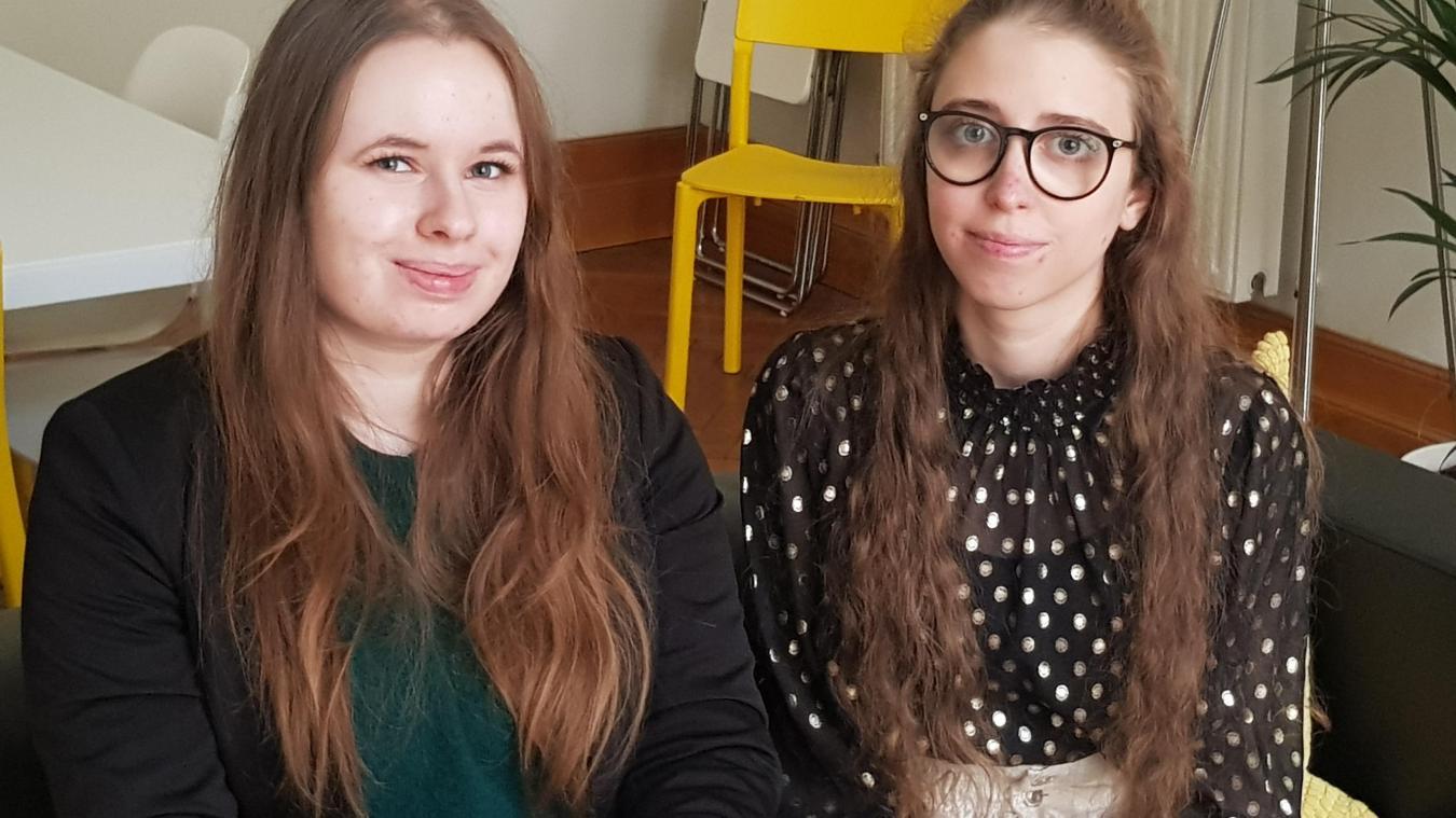Clara et Émilie ont été sensibilisées par l'association Une oreille de cœur.