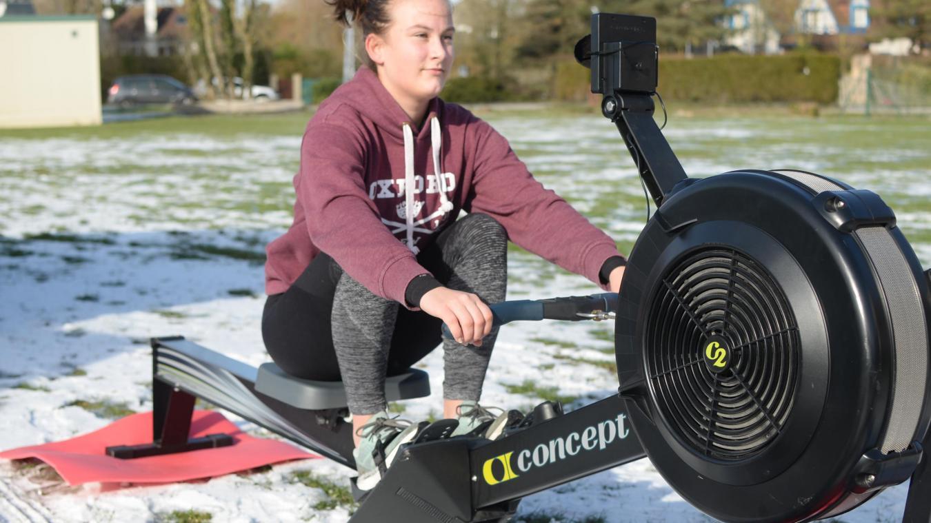 Clara Caboche, à l'entraînement sur ergomètre.
