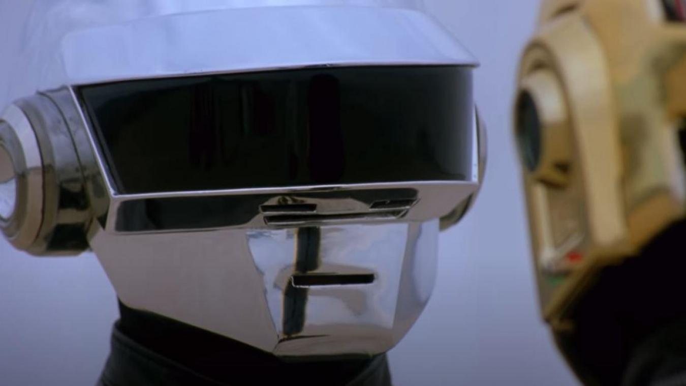 Les images sont extraites de leur film de 2006 Electroma. Daft Punk a annoncé sa séparation en vidéo.