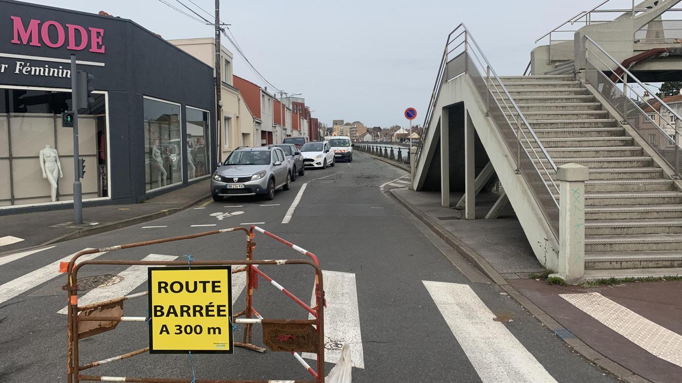 La route sera barrée pour tous les véhicules dans le sens Curie-Lafayette entre 7 h 30 et 17 h.