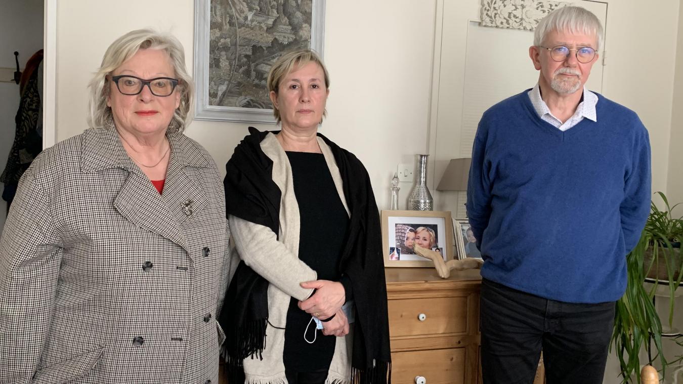 La Ligue des droits de l'homme soutient les combats pour la vie comme celui mené par Pascale Descamps (au centre) pour faire rapatrier sa fille.