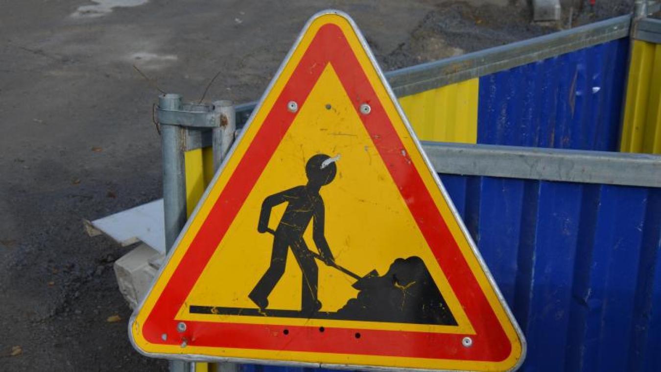 La circulation et le stationnement sont interdits de la rue du Méridien jusqu'à la rue de la Licorne jusqu'au 28 mai.