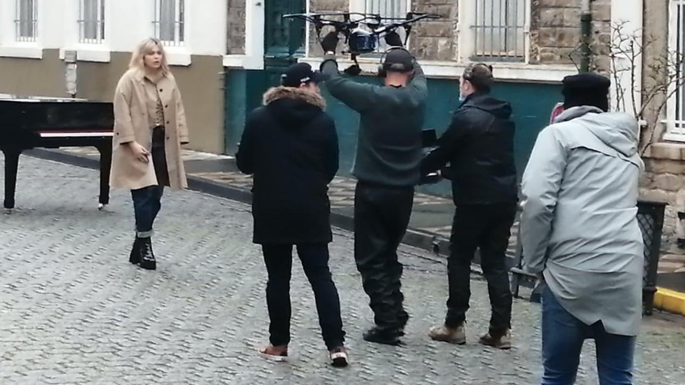 Le clip de Louane et Grand Corps Malade tourné à Boulogne est enfin sorti (vidéo)