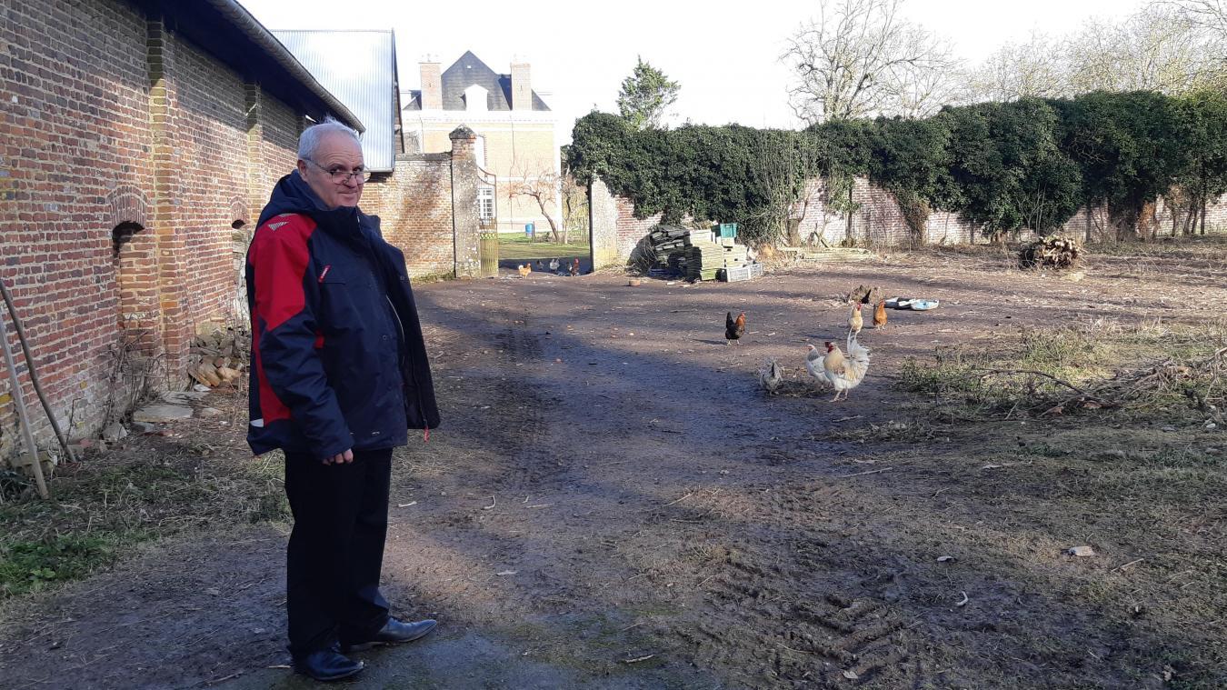 Le maire d'Inchy-en-Artois, Michel Rousseau défend la ruralité et les bruits de la campagne, désormais protégés par la loi.