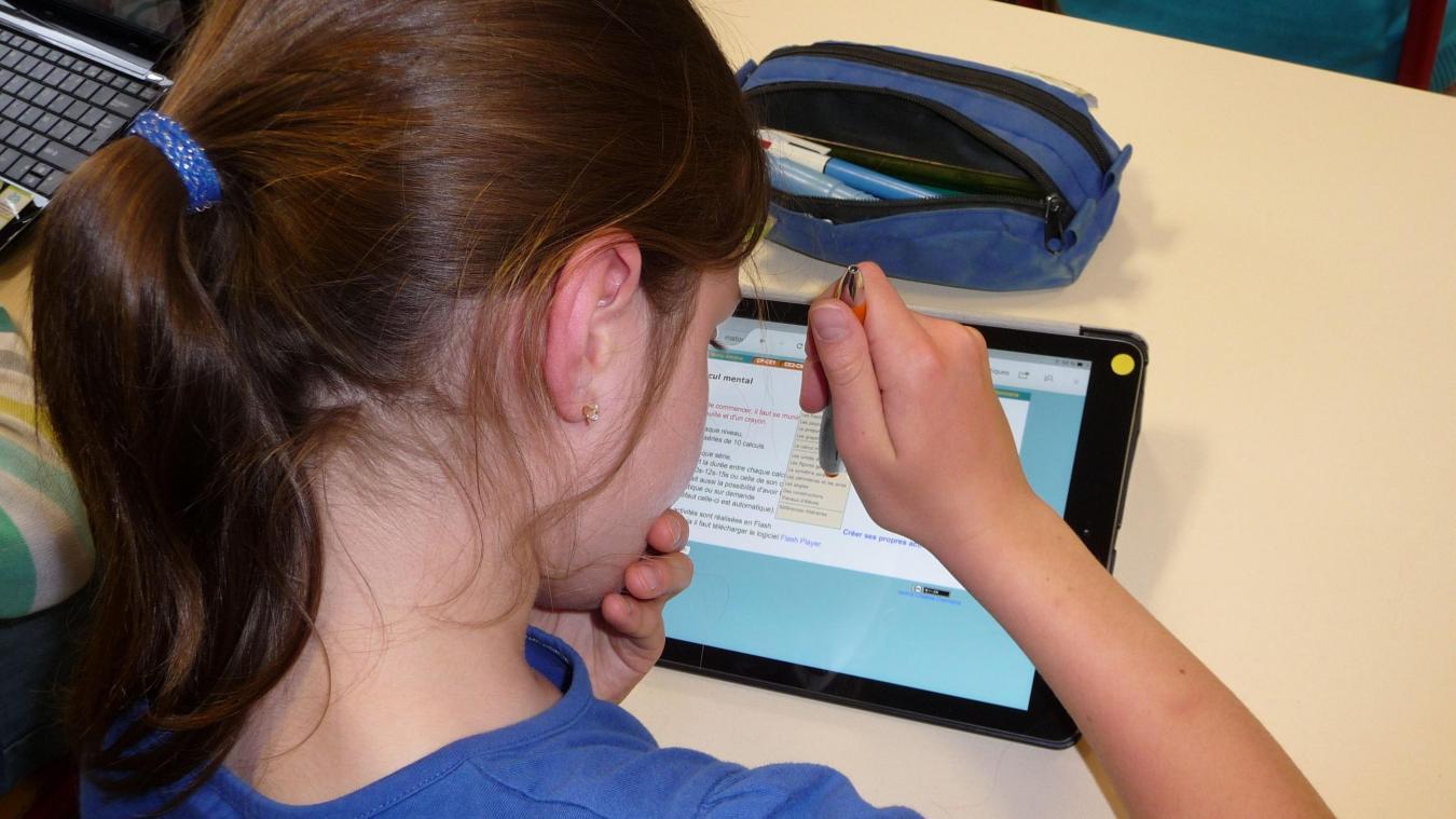 Selon le plan de la mairie, chaque élève de CP au CM2 devrait obtenir une tablette.