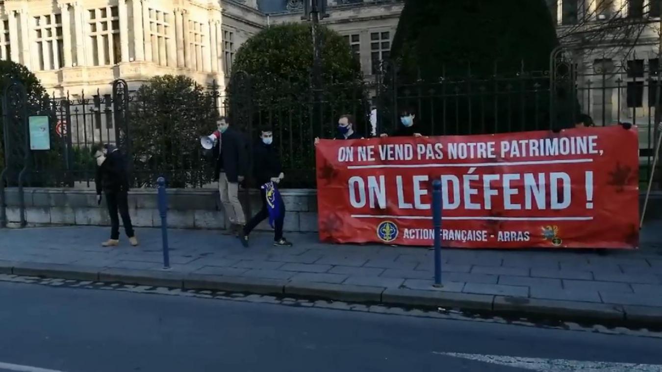 Une dizaine de jeunes militants ont manifesté samedi 27 février.