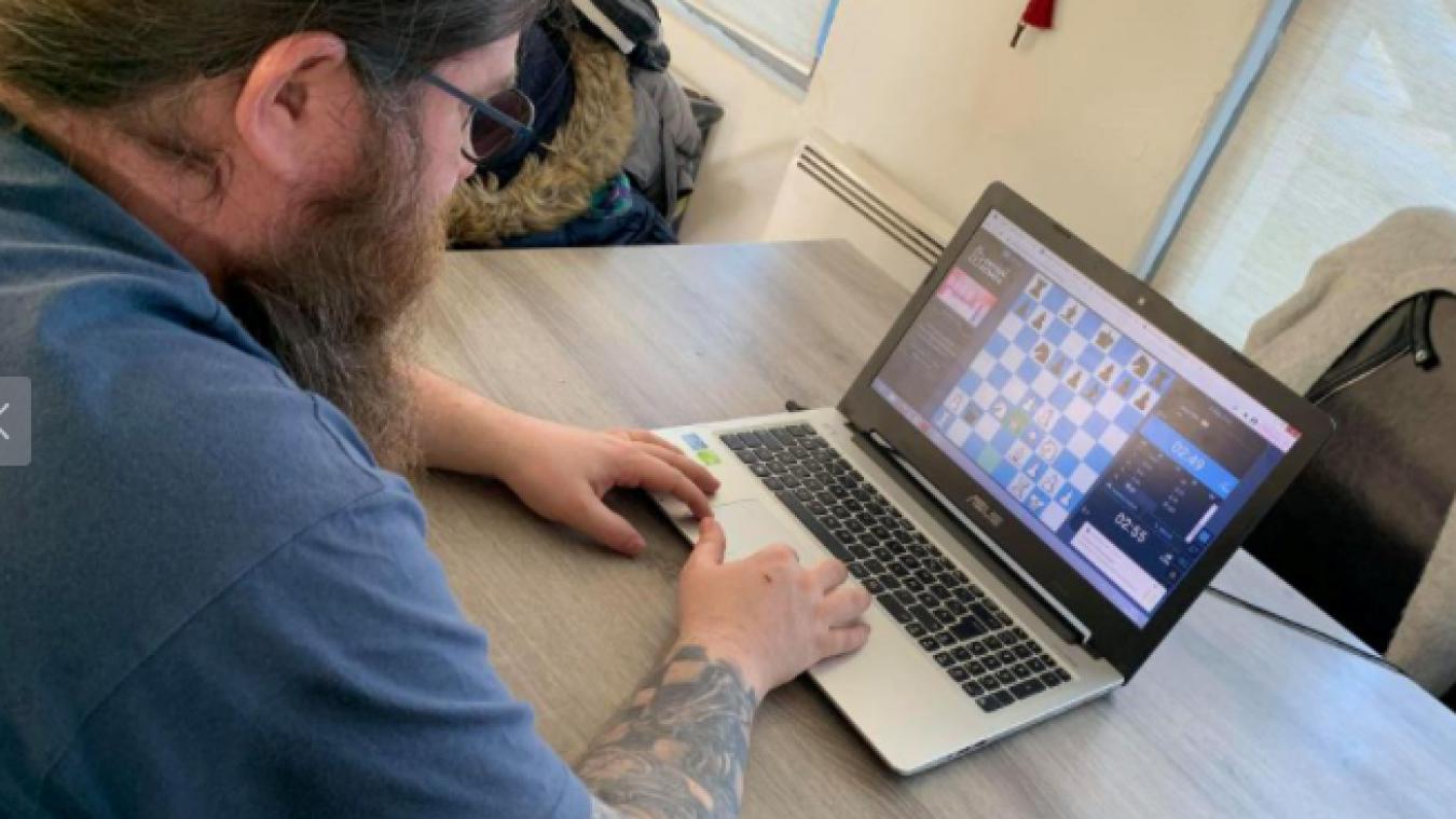 Pour participer au tournoi, il faut disposer d'un ordinateur, d'un compte gratuit Europe Echecs et du logiciel Zoom.