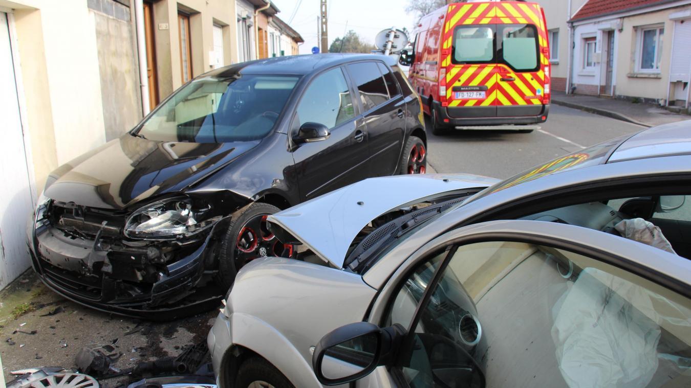 La collision est intervenue peu avant 10 heures avenue Jean Jaurès à Desvres.