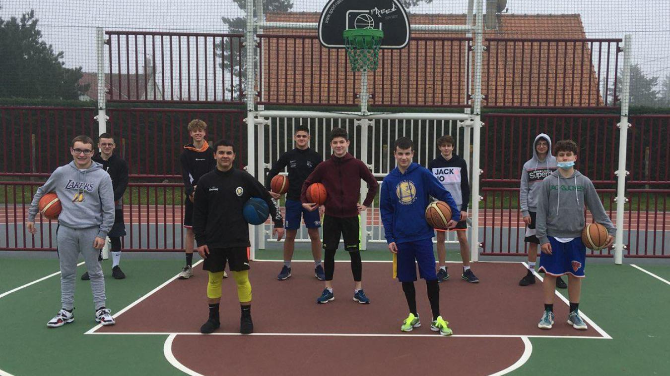 L'AS Cucq basket a relancé des entraînements quotidiens sur le city stade de Stella.