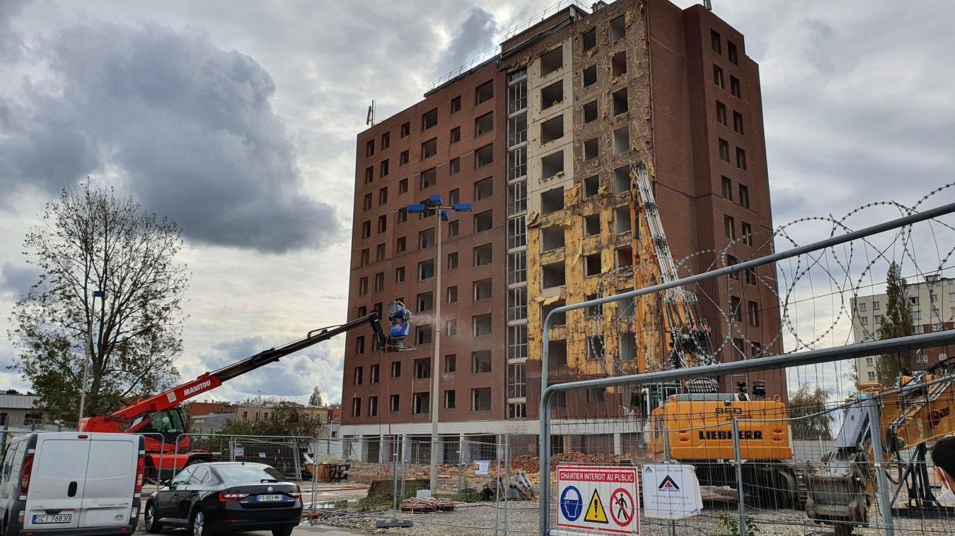 À Grande-Synthe, le chantier de la tour Lejeune s'est déroulé de juin à décembre 2020.