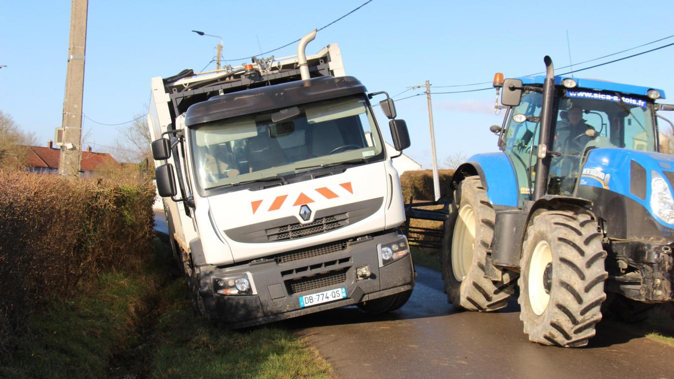 À Lottinghen : un camion de collecte en mauvaise posture