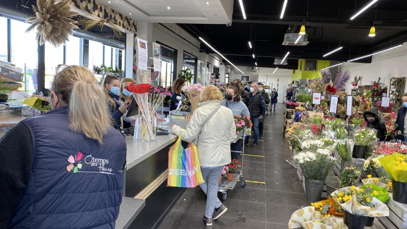 Liévin : à la veille de la fête des grands-mères, c'est la cohue pour aller acheter des fleurs