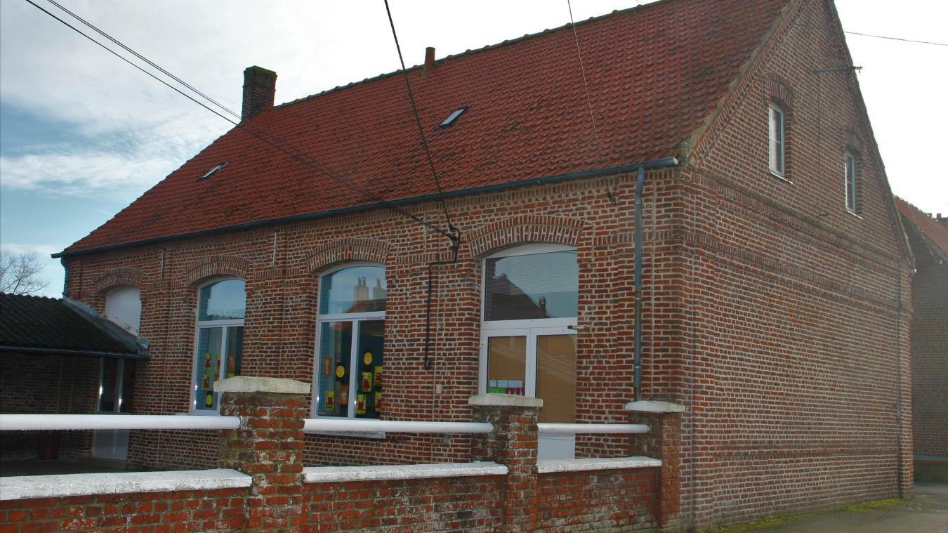 La toiture de l'école maternelle va faire l'objet d'un chantier.