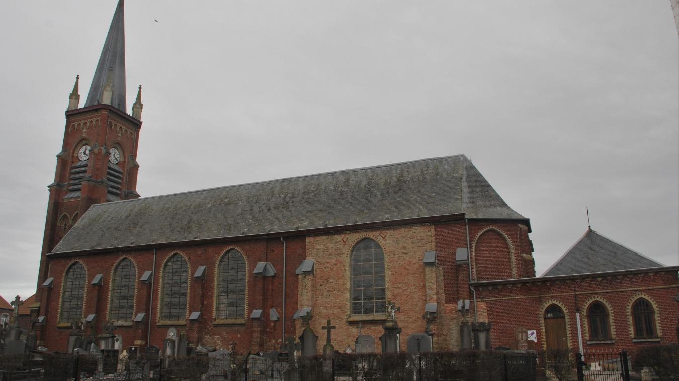 Des fuites ont été constatées au niveau des chéneaux de l'église de Winnezeele.