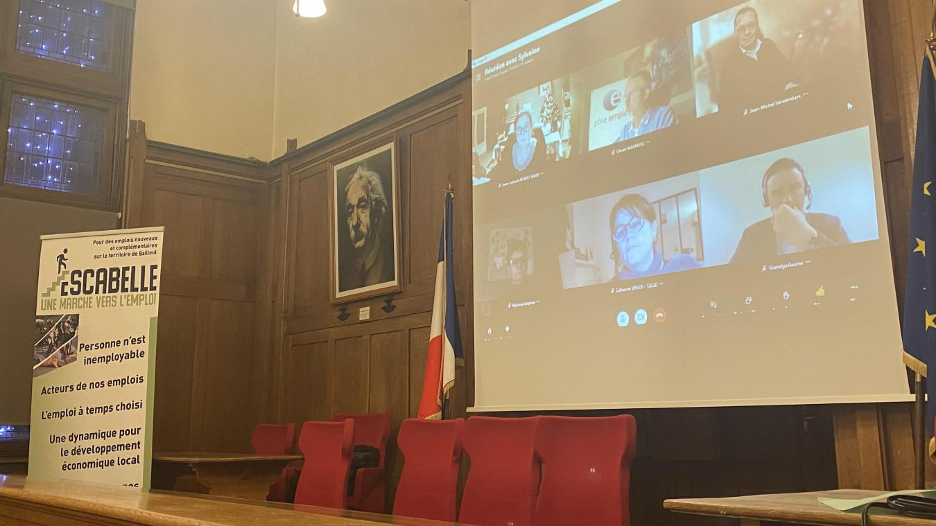 En janvier, lors d'une réunion en visio, Laurent Grandguillaume, président national de l'association (à droite sur l'écran), était intervenu.