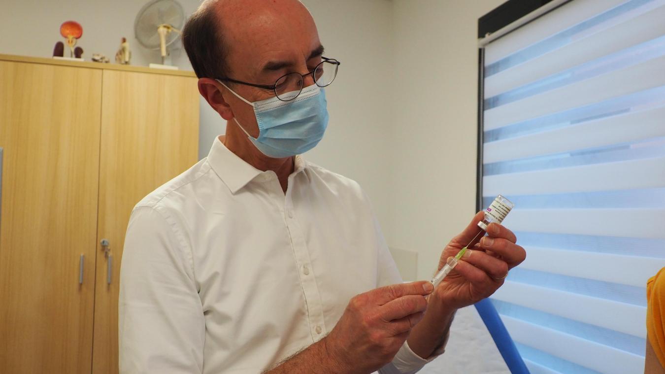 Le docteur Pacal Guffroy nous a reçus samedi à l'occasion d'une vaccination à la maison médicale de Blériot (illustration).