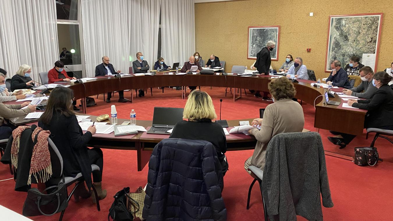 Les élus étaient réunis à huis clos lundi 8 mars, entre 17h et 20h30.