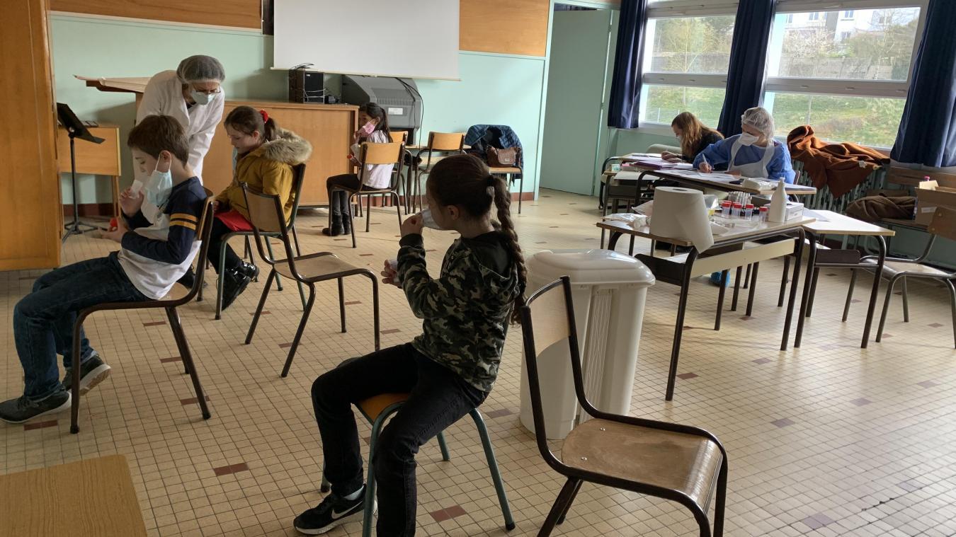 Le jeudi 11 mars, 103 enfants ont été testés sur les 136 élèves des classes de CP et de CM2.