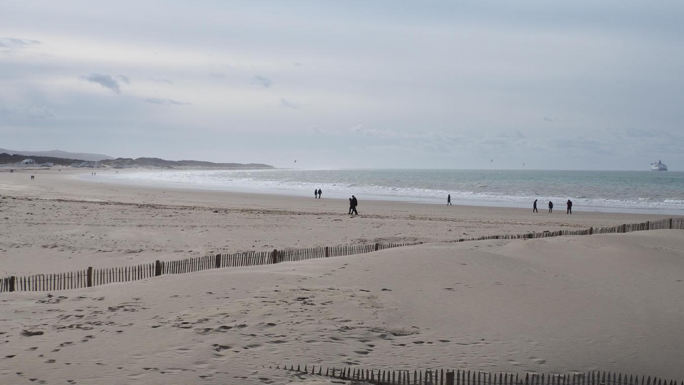 Difficile de renoncer à une promenade sur le front de mer sous le soleil, même pendant le confinement.