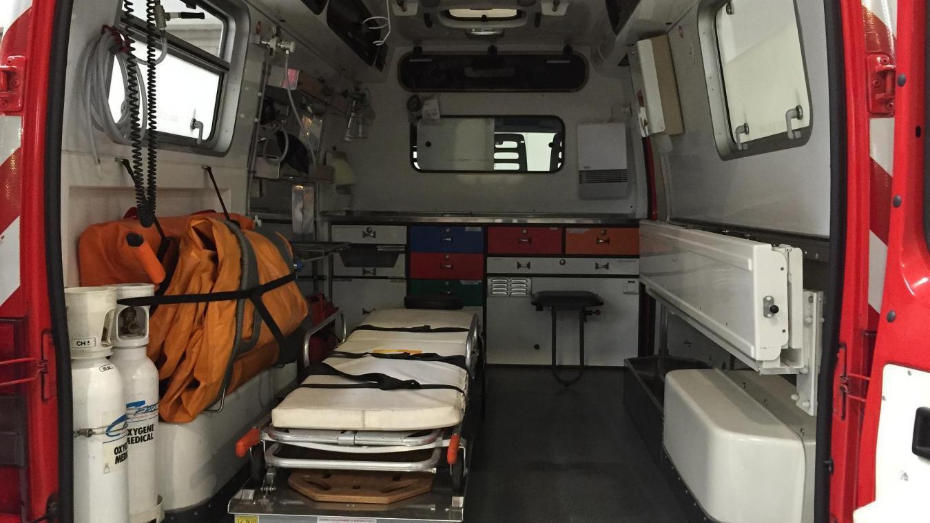 Un pompier d'Arles, dont l'âge n'a pas été précisé, a été hospitalisé pour une arythmie cardiaque après sa première injection