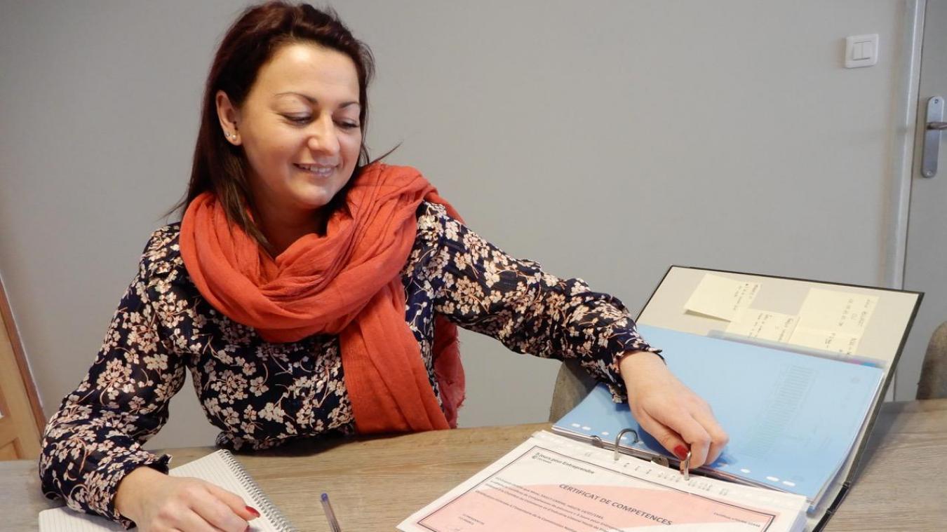 Le certificat de compétences obtenu à l'issue de sa formation conforte Carine dans son choix d'entreprendre.