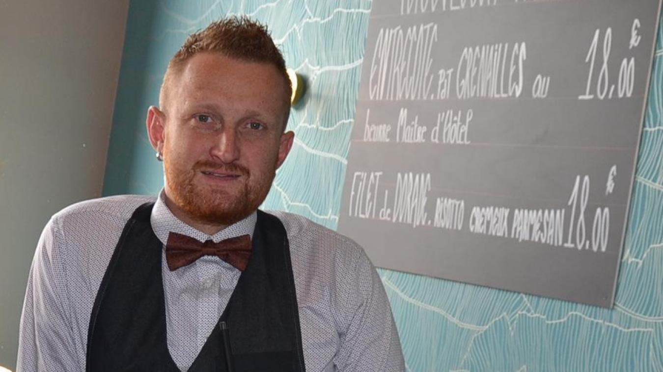 Émilien Verdin au restaurant Le Mardyck, à l'été 2019, quand il lance son entreprise avec sa compagne Marjorie.