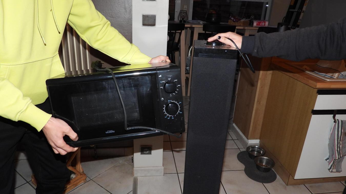 Plusieurs appareils électriques des habitants du Petit Steendam ont été endommagés.