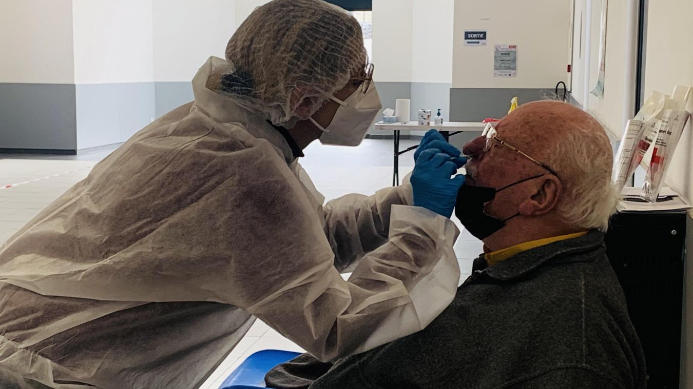 Au centre de dépistage d'Outreau, salle Raymond Vérité, les Boulonnais peuvent venir se faire tester gratuitement et sans rendez-vous les mardis et jeudis.