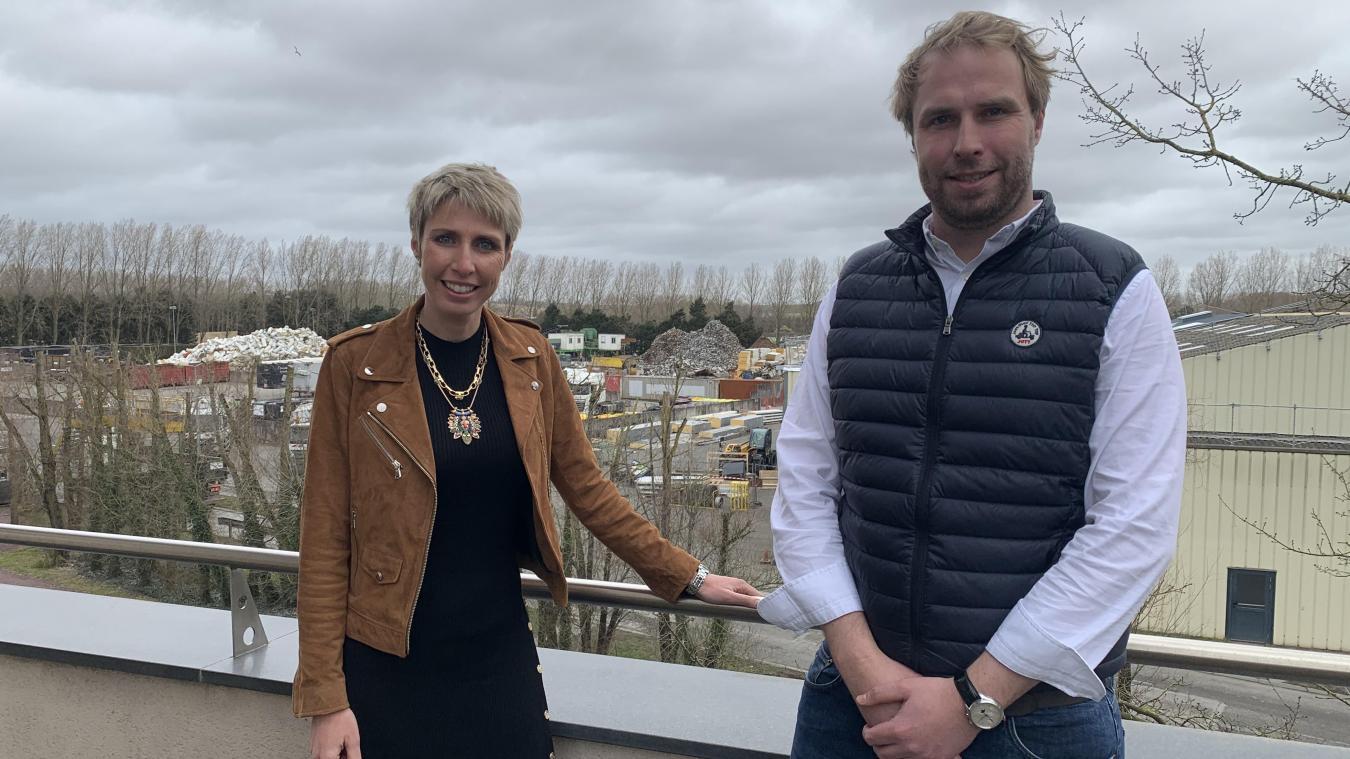 Caroline et Jean-Baptiste Poissonnier, co-dirigeants de Baudelet environnement, veulent que Baudelet environnement deviennent un leader de la valorisation des déchets au nord de Paris.