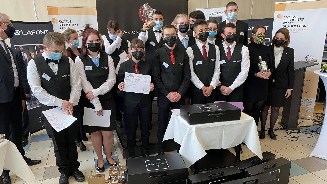 12 élèves ont participé au concours de cocktail.