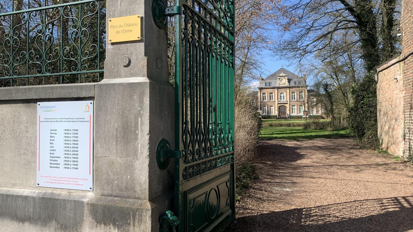 Le parc, situé rue d'Aire, est ouvert aux mêmes horaires que le jardin public.
