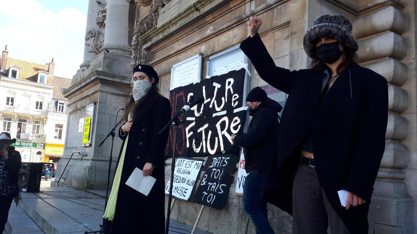 Jour de colère et funérailles symboliques pour le monde de la culture à Calais ce samedi (VIDÉO)