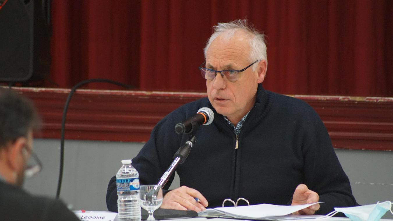 Le maire avait promis de baisser la pression fiscale sur la population. Le projet ne sera pas mis aux oubliettes, mais il demande beaucoup de réflexion.