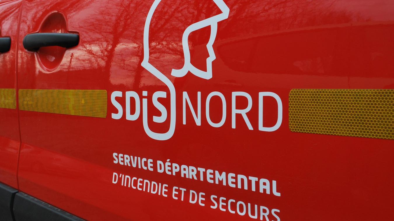 Six sapeurs-pompiers de Vieux-Berquin sont intervenus rue de l'enfer pour un feu de voitures.