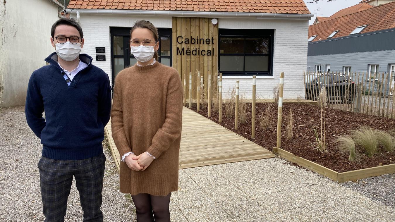 Alexis Palliez et Claire Martincic devant leur cabinet, boulevard Edmond Labrasse.