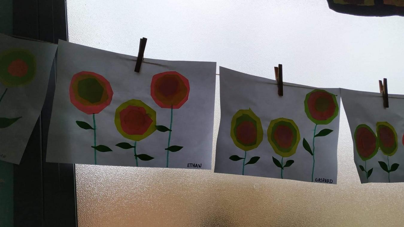 Les habitants étaient invités à dessiner, coller, peindre... Pour ensuite exposer les créations dans la ville.